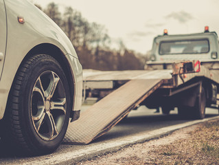 Roadside Assistance vs. 24 Hour Towing