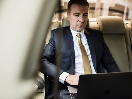 Custom Limos Can Be a Great Mobile Office