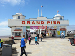 Weston_Super-Mare_Grand_Pier_Entrance_2012
