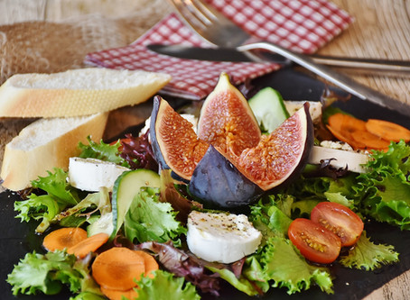 Baby Rocket Salad With Fresh Figs & Balsamic Reduction