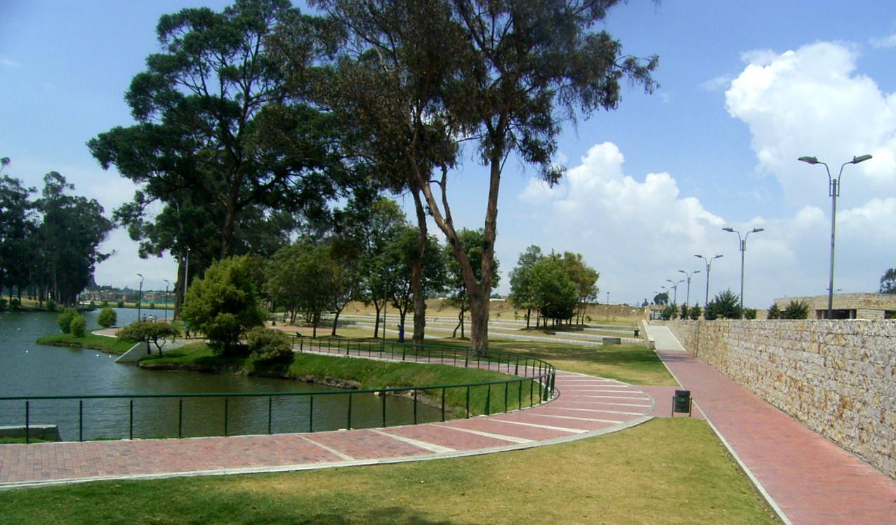 timiza-sendero lago mas muro.JPG