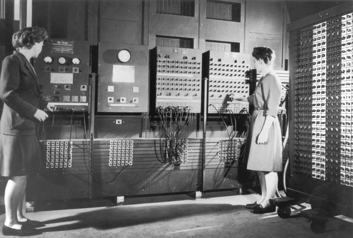 Jean and Fran ENIAC.jpg
