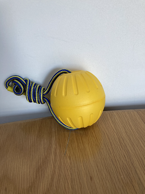 Foamball on rope 8,5 cm Yellow