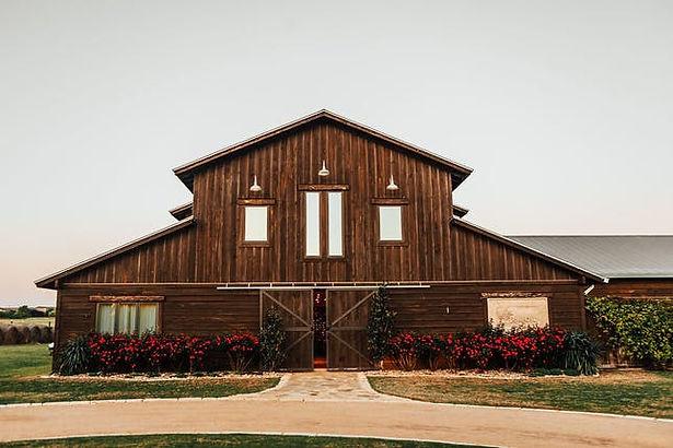 lone oak barn.jpg