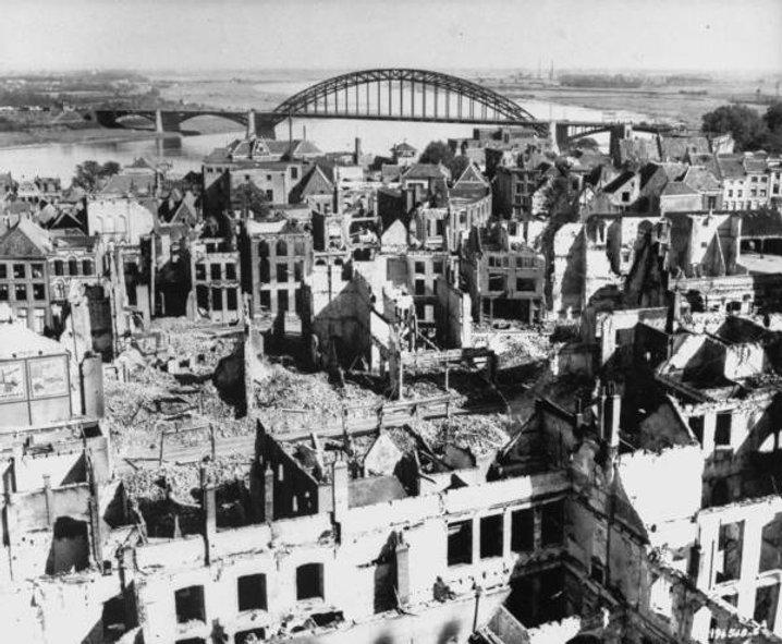 War-Bomb damage '44.jpg