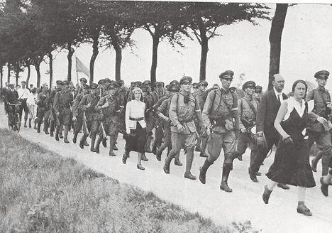 Marchers 1932 4daagse.jpg