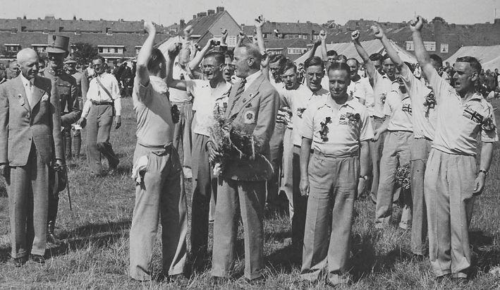 RWA 1938 cheers.jpg