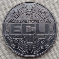 Comm - 1991 Ecu (R).jpg