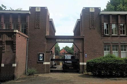 War-Synagogue (burial gd).jpg