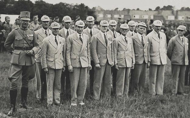 RWA 1932 group.jpg