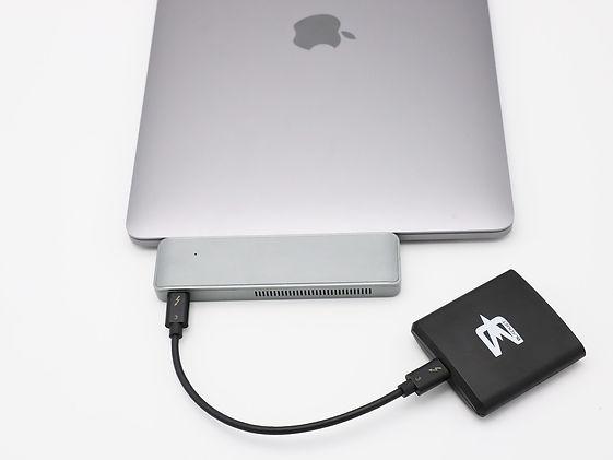 MTDEW_Macbook_cardreader.jpg