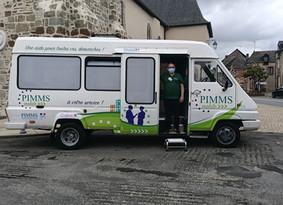Lancement PIMMS Mobile Bus France Services au pays de la Roche aux Fées