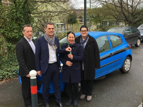 Don par EDF Solidarité d'un véhicule au PIMMS de Rennes