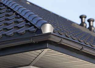 New Roof Gutter installed by a residential roofing contractor in Salem, Oregon