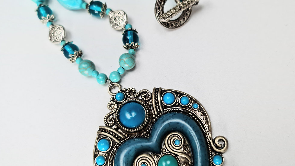 Totally Tribal Necklace in Turquoise