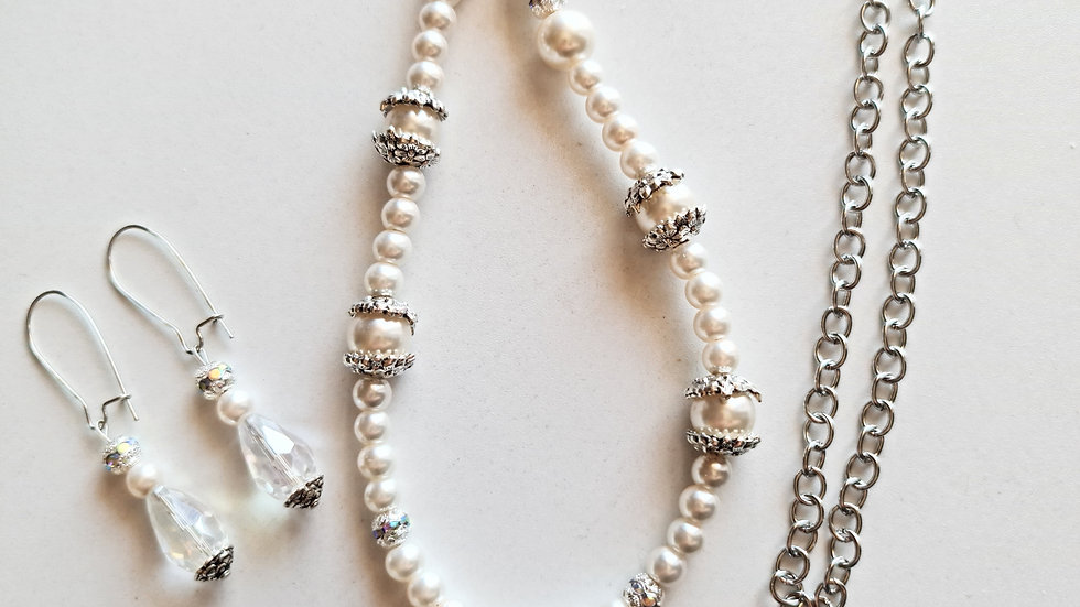 White Christmas necklace with matching earrings