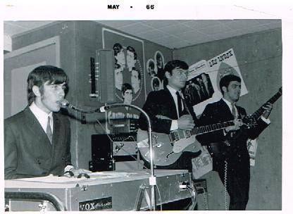 Gants blancs_mai 1966.jpg
