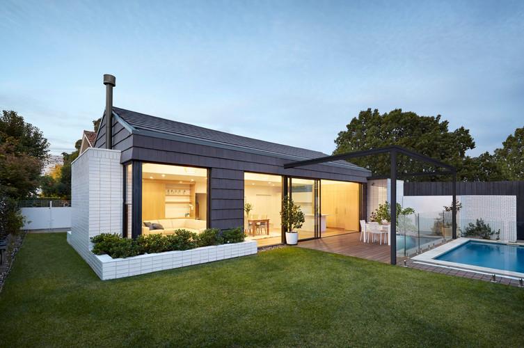 Swinburne House.jpg