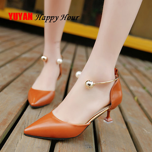 Unique Pointe Thin Heel Pumps