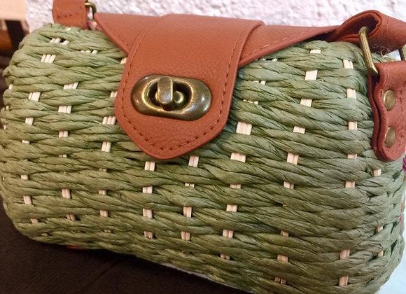 Bolsas de palha artesanal.