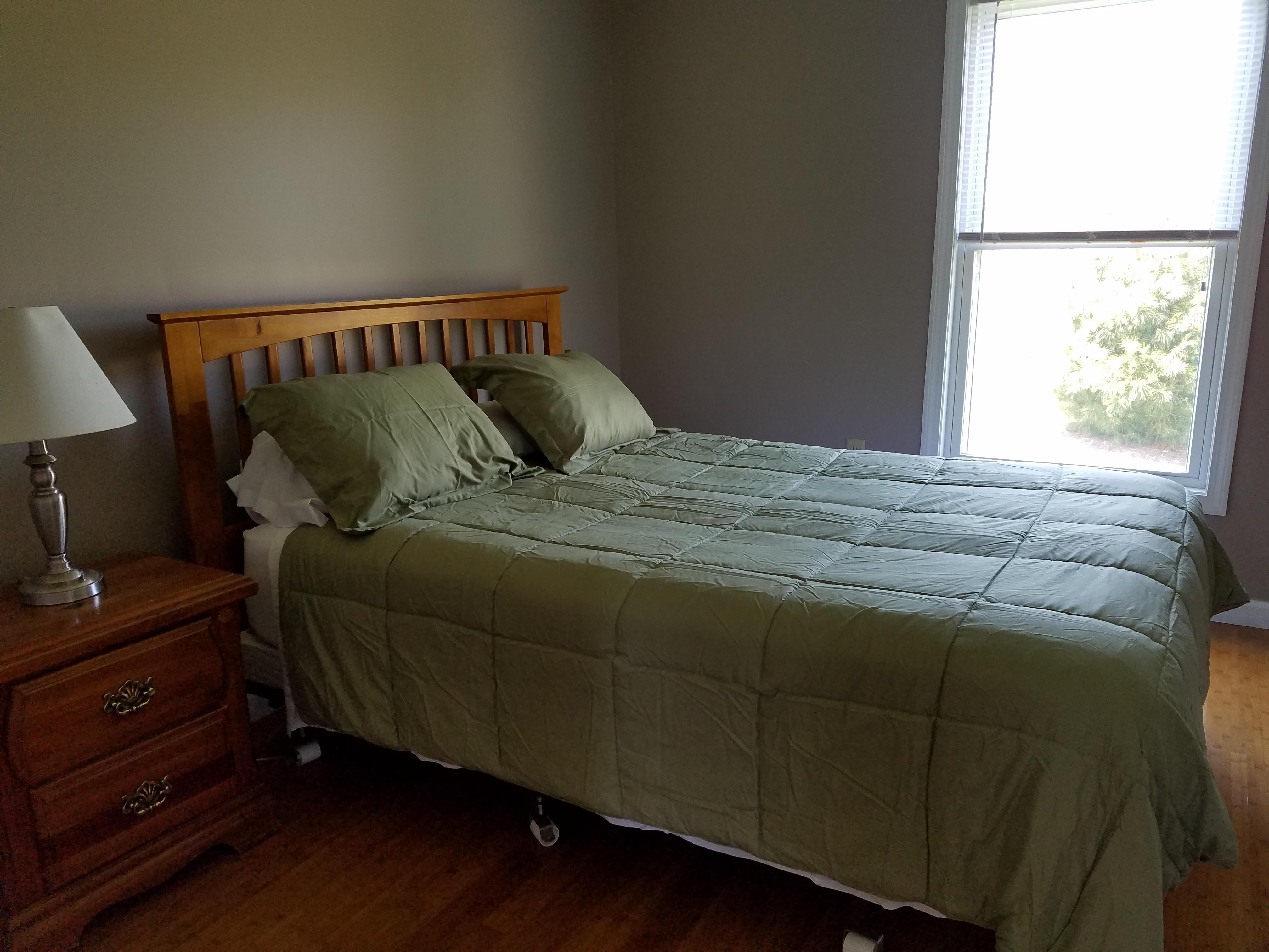 Queen bed - Wren