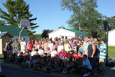 Picture of large family at reunion