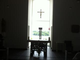 En pilgrim går i kloster