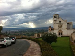 Med Frans af Assisi i grotter og huler