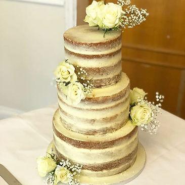 The Wedding Cake! 👰🍰 6_ caramel, 8_ le