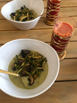 cucumber soup and fresh juice.jpg