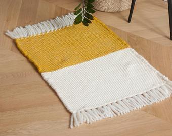 Tapis tissé à la main en laine bicolore