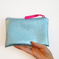 Pochette bleu sirène en simili cuir