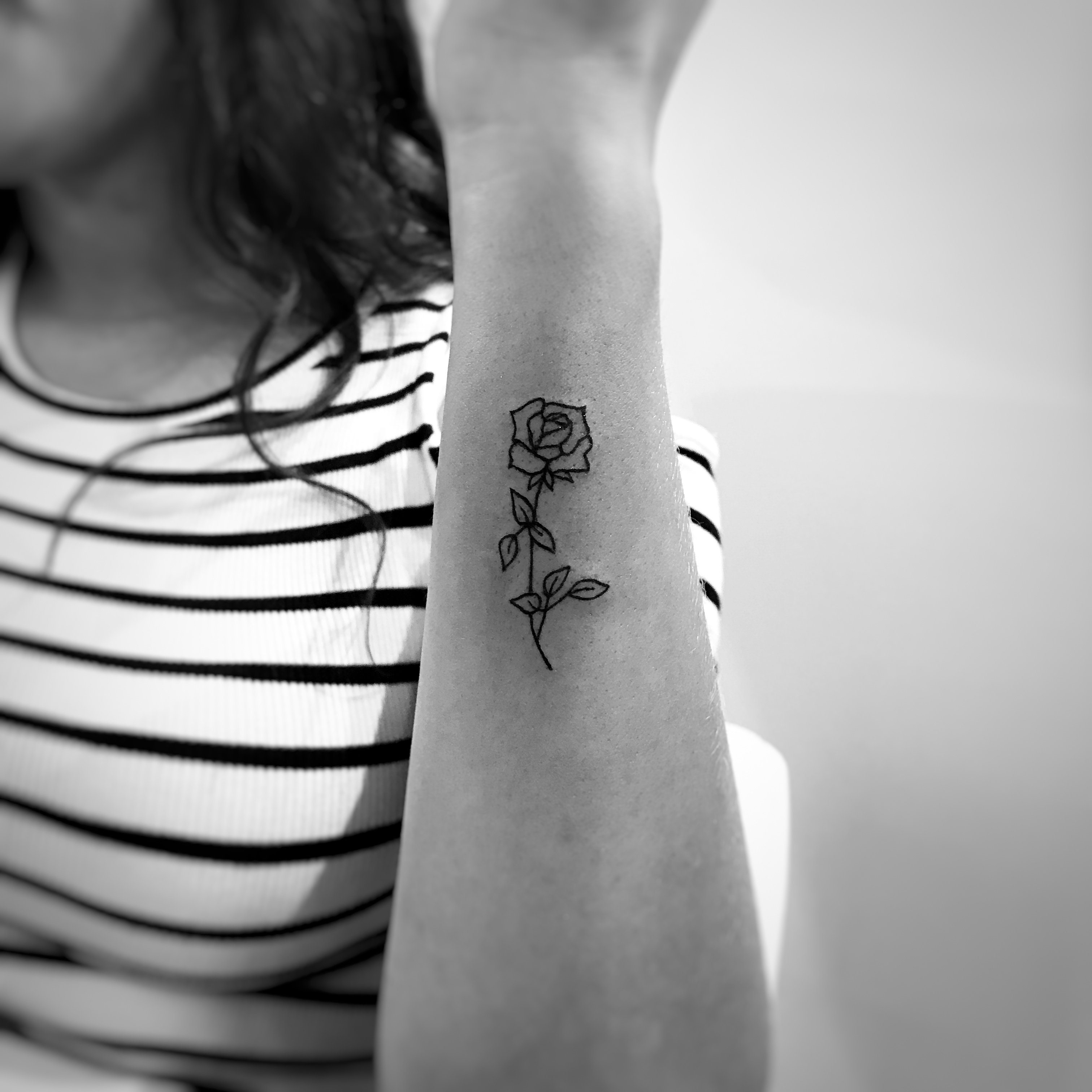 TATOUAGE MINI ROSE