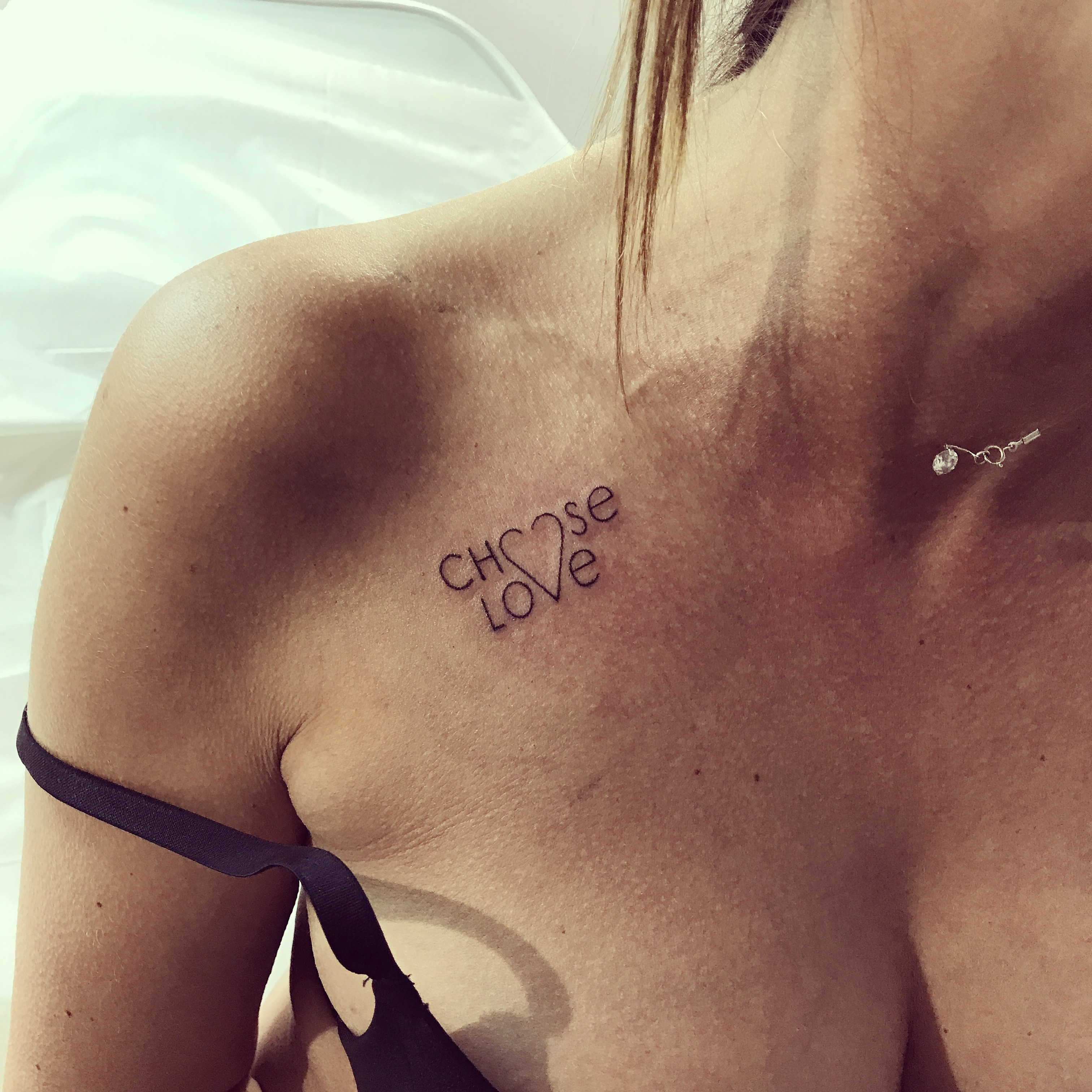 TATOUAGE CHOOSE LOVE