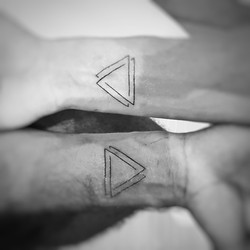 TATOUAGE TRIANGLE
