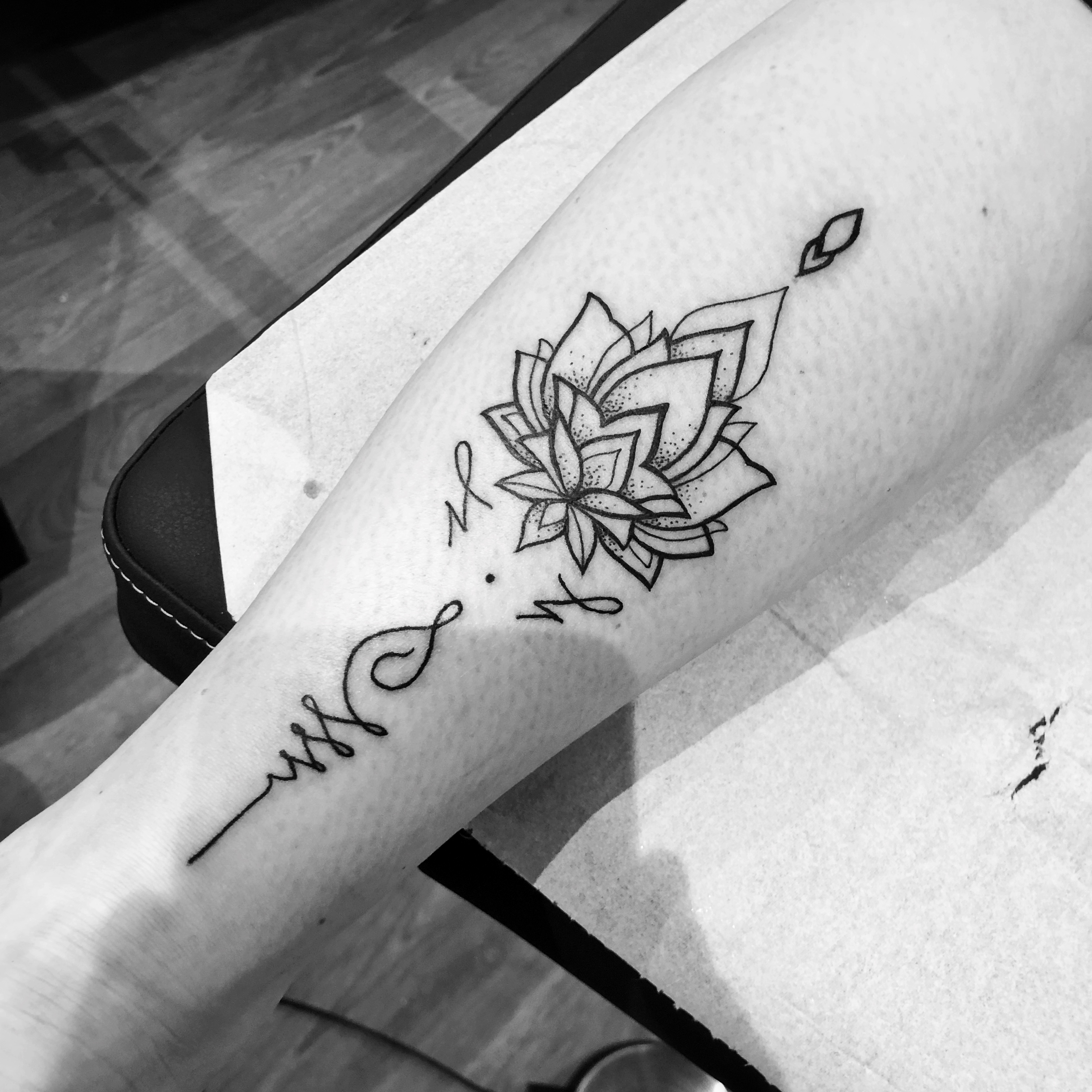 TATOUAGE LOTUS