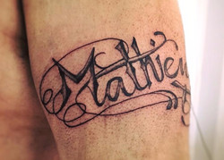 TATOUAGE LETTRAGE PRENOM