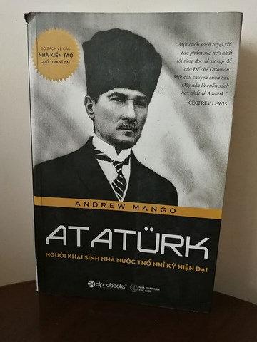 Atatürk: ng??i khai sinh nhà n??c th? nh? k? hi?n ??i: Vietnamca