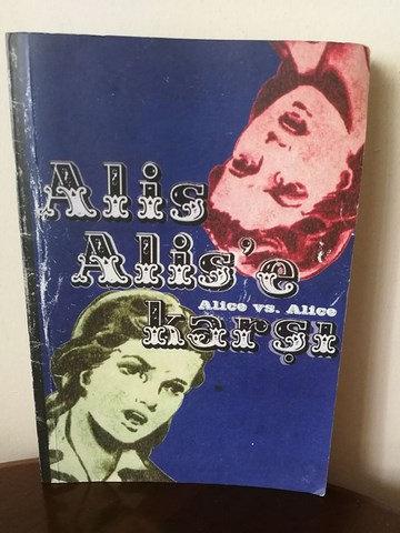 Alis Alis'e karşı: Sanat Merkezi Art Center