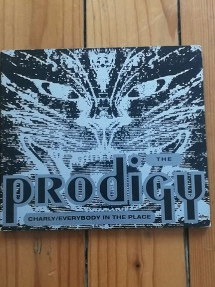 The Prodigy – Charly / Everybody In The Place 2. EL CD