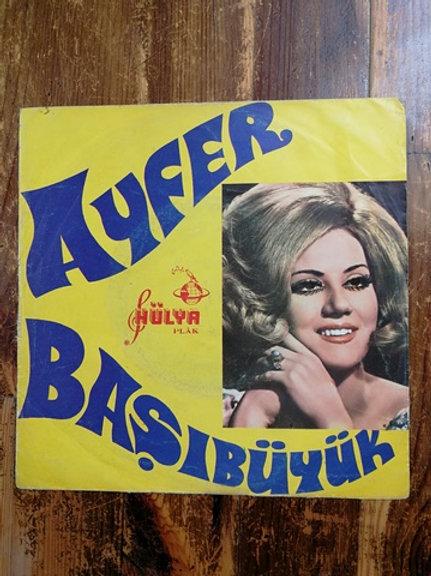 Ayfer Başıbüyük / Kadehler Sırdaşım - Mor Elbise