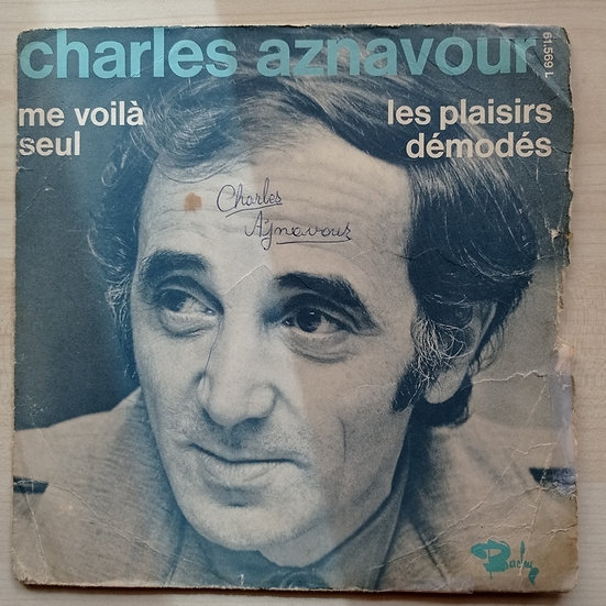 Charles Aznavour les plaisirs demodes - me voila seul (Kapaktır)