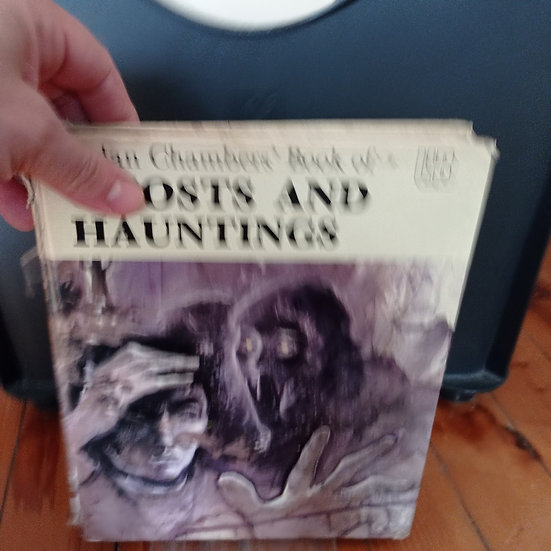 Aidan Chambers' Book of Ghosts and Hauntings