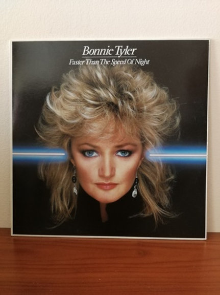 Bonnie Tyler- Faster Than The Speed of Night