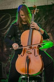 Robin Howe Operus Cellist
