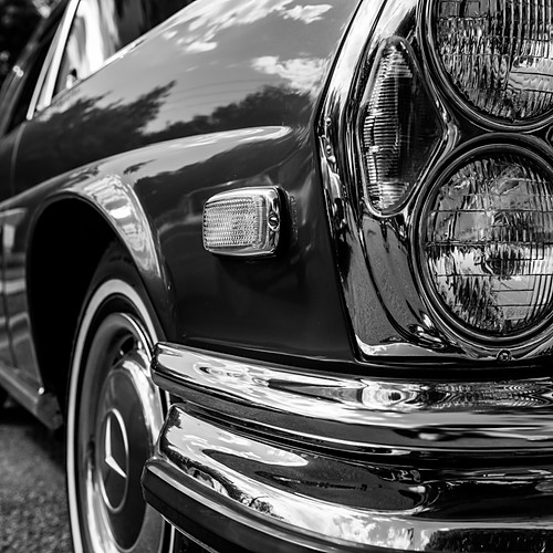 Park Cities Historic and Preservation Society Classic Car Show