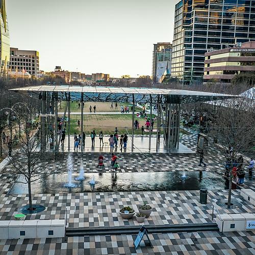 Klyde Warren Park, Dallas, TX