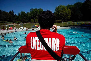 lifeguard-at-pool-500x336.jpg