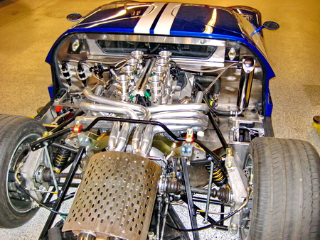 Ford_GT_engine_450pix.JPG