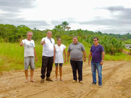Prefeitura de Mâncio Lima realiza manutenção nas estradas rurais com recursos próprios